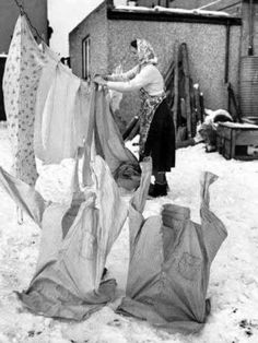 Well. Where I'm from we never but once had snow. But my mother used the line to dry clothes till sometime in the 60's I think.
