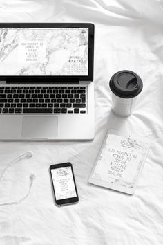 61 trendy ideas for wallpaper laptop coffee Workspace Inspiration, Study Inspiration, Study Ideas, Tumblr Wallpaper, Wallpaper Quotes, Calendar Wallpaper, Feed Black, Shooting Photo Pro, Photografy Art
