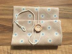 Lunchbags - Bee Food Wraps - Bienenwachstuch mit Holzknopf - ein Designerstück von Bee-Food-Wraps bei DaWanda
