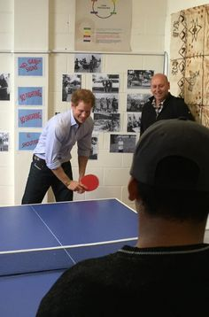 #PrinceHarry has a few games with youth at Turn Your Life Around (TYLA) #RoyalVisitNZ