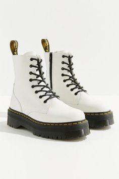 #docmartensoutfits Dr Shoes, Swag Shoes, Hype Shoes, Me Too Shoes, Doc Martens Outfit, Doc Martens Boots, White Doc Martens, Doc Martens Women, Dr Martens Jadon