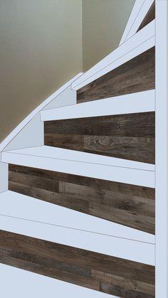 ... nieuwe bekleding trap, wit geschilderde treden met laminaat schopbord