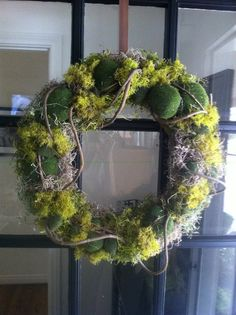 moss on grapevine Christmas Advent Wreath, Christmas Love, Moss Wreath, Indoor Wreath, Front Door Decor, Xmas Decorations, Beautiful Flowers, Floral Wreath, Absolutely Stunning