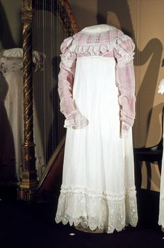 Dress, ca.1816, England, National Gallery of Victoria. Not a spencer exactly, but a different colour bodice I think