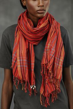 Kenyan Kikoi as colourful scarf for winter. Cotton Scarf, African Fabric, Sustainable Fashion, African Fashion, Personal Style, Stylish, My Style, Womens Fashion, How To Wear