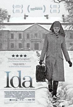 Ida (2013) Dir: Pawel Pawlikowski. Oscar de Filme Estrangeiro. Filmado em 4:3, num preto e branco que lembra fotos de época. No início dos anos 60, a noviça órfã Anna, antes de se tornar freira, sai do convento onde foi criada para visitar sua única parente, uma tia chegada a álcool e amantes. A tia revela que Anna é judia, se chama Ida e sua família foi assassinada na ocupação nazista. Ambas viajam para descobrir mais sobre a morte da família, e a garota é seduzida pelos prazeres da vida.