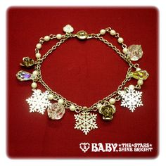 Queen of Snow ~The White Kingdom From Which a Fairy Lands Gently~ Bracelet