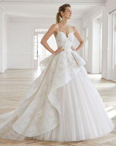 Wedding dresses lace princess aire barcelona 60 ideas for 2019 Lace Wedding Dress, Country Wedding Dresses, Used Wedding Dresses, Princess Wedding Dresses, Bridal Dresses, Wedding Gowns, Lace Dress, Tulle Wedding, 40s Wedding