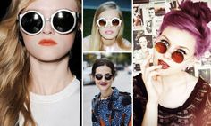 La moda de llevar las gafas de sol redondas.