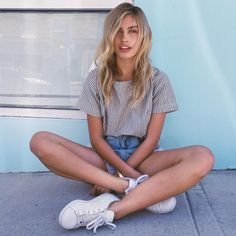 Find images and videos about girl, food and model on We Heart It - the app to get lost in what you love. Summer Outfits, Cute Outfits, Vogue, Ootd, Poses, Spring Summer Fashion, Dress To Impress, Fashion Beauty, Style Inspiration