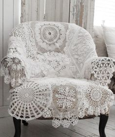 Inspiration photo. A beautiful idea for those unused doilies we all have tucked away in the back of the cupboard.