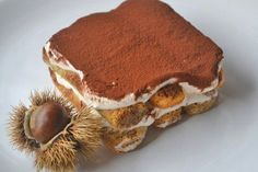 Tiramisu mal anders: In diesem luftigen Rezept harmonieren Maroni mit leichtem Qimiq, als wären sie für einander geschaffen. Trifle Desserts, Sweet Desserts, No Bake Desserts, Mousse Dessert, Delicious Deserts, Cake & Co, Cookies, Fall Recipes, Pumpkin Spice