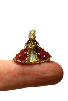 Vintage Finely Crafted Miniatures Dollhouse Mini Presents Embellishments & Finishes Brand New In Package Refreshment