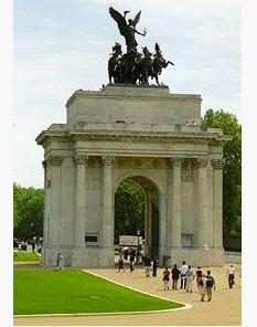 London England :: Hyde Park :: Wellington Arch √ http://en.wikipedia.org/wiki/Wellington_Arch