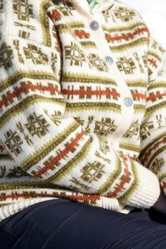 Fair Isle Knitting, Hand Knitting, Knitting Patterns, Crochet Patterns, Norwegian Knitting, Fair Isles, Fair Isle Pattern, Sweater Shirt, Bunt