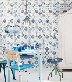 cool delft blue wallpaper 'Porselein' by Studio Ditte Floor Patterns, Wall Patterns, Modern Victorian Homes, Vintage Plates, Home Wallpaper, House And Home Magazine, Cool Rooms, Comfort Zone, Home Living Room