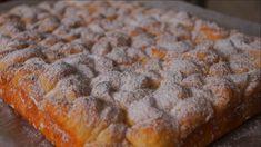 Zwracamy uwagę na delikatny deser serowy. Lekkość i prostota to główne zalety tego ciasta. Trudno się od niego oderwać. Można go przygotować, jeśli twoi goście przyjdą nagle. Zajmie ci to 30 minut. Pamiętaj więc, aby to zanotować! Oto czego potrzebujesz: 2 szklanki mąki; 1,5 szklanki cukru; 4 łyżki śmietany; 4 jajka; Carrot Cake Cheesecake, Sweets Cake, Banana Bread, Carrots, Cake Recipes, Food And Drink, Cooking Recipes, Pudding, Cookies