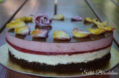 SÜTIK BIRODALMA: Epres-csokoládés joghurttorta / Strawberry chocolate yogurt cake with edible roses