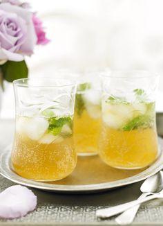Iced mint and apple tea