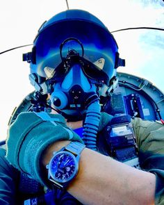RT @BremontMilitary: Texan II Time!  Starting out strong with submissions for our 2018 photo competition. Cockpit selfies just don't get old! #T6 #TexanII @Bremont #MBIII