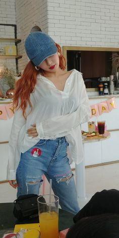T-shirt mix jeans Hyuna Fashion, Cl Fashion, Kpop Fashion, Asian Fashion, Womens Fashion, Kpop Girl Groups, Kpop Girls, Uee After School, Seungyeon Kara