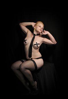 Marciia Gringe with John Burrage / Midnight Rose Photography