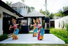 Traditional Balinese dancers perform at a wedding in Bali, Indonesia.  Photo by Justin Mott | Mott Visuals Weddings  ‪#‎MottVisualsWeddings‬ ‪#‎MottVisuals‬ ‪#‎JustinMott‬ ‪#‎Balidestinationweddingphotographer‬ ‪#‎Balidestinationweddingphotography‬ ‪#‎IndonesiaWedding‬ ‪#‎traditionaldance‬ ‪#‎IndonesianCulture‬
