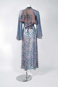 Vintage Ossie Clark Documented Milky Way Celia Birtwell Print Silk Chiffon Wrap Dress. Flowing Dresses, Day Dresses, Celia Birtwell, Ossie Clark, Vintage Outfits, Vintage Fashion, Print Chiffon, Silk Chiffon, English Fashion