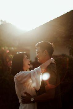 Traditional Balinese Village Prewedding of Flavia and Bastian - Hochzeit Korean Wedding Photography, Wedding Couple Poses Photography, Outdoor Wedding Photography, Pre Wedding Shoot Ideas, Pre Wedding Poses, Pre Wedding Photoshoot, Prenuptial Photoshoot, Foto Wedding, Wedding Photo Inspiration