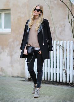 Today's outfit <3 Visit my blog here: http://passionsforfashion.dk #ootd #outfit #fashionblog #blogger #styling #blackcoat #Isabelmarant #bobbysneakers #celineaudrey #asos #zara #chanel #chanelboy #boybag #lookoftheday