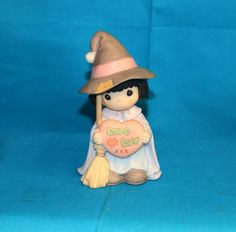 Precious Moments Witch Way Do You Spell Love? 1999 Porcelain Figurine 587869