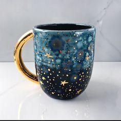 Gold Galaxy Mug by Naomi Singer, Modern Mud - Pottery - . - Gold Galaxy Mug by Naomi Singer, Modern Mud – Pottery – … – Handmade productio - Pottery Mugs, Ceramic Pottery, Pottery Ideas, Pottery Art, Ceramic Mugs, Ceramic Art, Cerámica Ideas, Mug Ideas, Gift Ideas