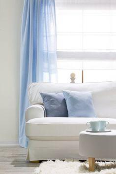 Nádherne zladené modré dekorácie.  #zavesy#vankuse#modra#obyvacka Curtains, Fabric, Living Room, Tejido, Blinds, Tela, Cloths, Fabrics, Draping