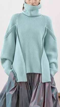 (notitle) The Effective Pictures We Offer You About arm knitting A quality picture can tell you many things. Knitwear Fashion, Knit Fashion, Fashion Art, Womens Fashion, Fashion Design, Fashion Trends, Fashion 2020, Fashion Details, Fashion Photography
