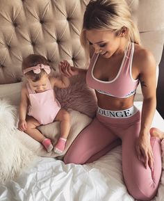 "226.2k Likes, 525 Comments - ⠀⠀⠀⠀⠀⠀⠀⠀⠀⠀⠀⠀⠀⠀⠀⠀⠀⠀Tammy (@tammyhembrow) on Instagram: ""Me & my minnie. Set is from @loungeunderwear ✨✨"""