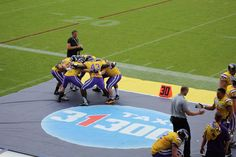 TAXI 31 300 - Hohe Warte - Vienna Stadion in Wien, Wien American Football, Vikings, Basketball Court, Football, Viking Warrior, Rugby