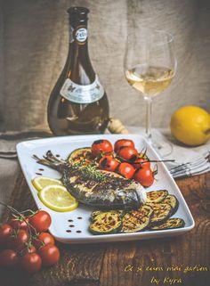 Ce si cum mai gatim: Dorada in stil mediteranean cu legume la gratar Food And Drink, Cooking Recipes, Cheese, Photography, Photograph, Chef Recipes, Fotografie, Photoshoot, Fotografia