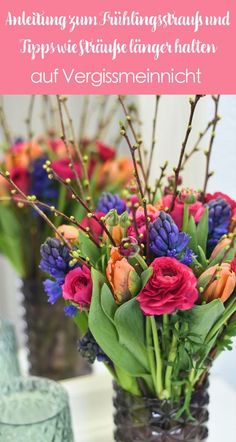 Spring bouquet - how a bouquet keeps you fresh . - Forget-me-not - Matching the spring, there is a spring bouquet with ranunculus, tulips, hyacinths and branches.