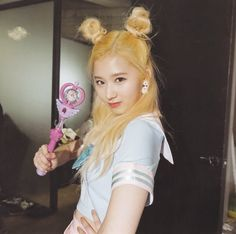 Find images and videos about kpop, kawaii and twice on We Heart It - the app to get lost in what you love. Kpop Girl Groups, Korean Girl Groups, Kpop Girls, Nayeon, Sana Cute, Sana Momo, Sana Minatozaki, Twice Kpop, Fandom