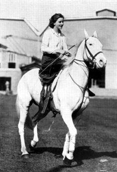 Greta Garbo - Feb. 1926