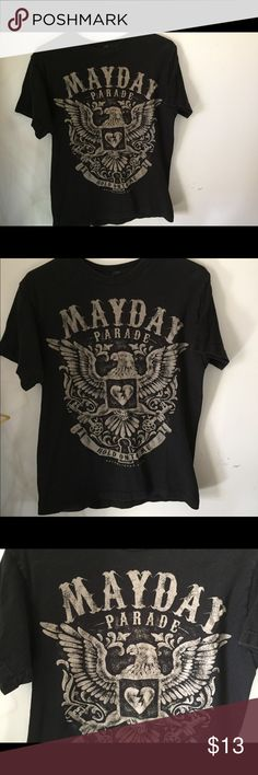 Mayday Parade band shirt Mayday parade band tee. Good condition, been worn a few times. Wear a cute beanie and some black jeans with this!  #poshmark #hottopic #bands #bandshirts #clothes Hot Topic Tops Tees - Short Sleeve