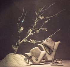 Holiday Windows Review | Visual Merchandising and Store Design