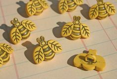 Yellow Bee Buttons  Shank Sewing Button  8 par LittleRedCottage