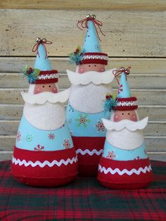 Love these Santa's