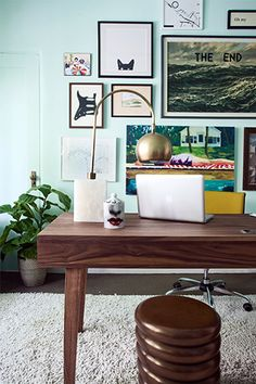 Steal+5+Budget-Friendly+Office+Decor+Tips+From+Kelly+Oxford+#refinery29