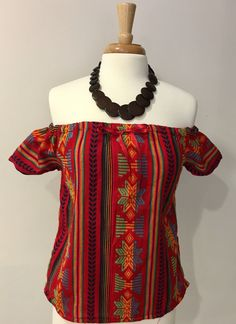 La Cambaya is a rustic cotton traditionally made in a pedal loom in Michoacán. The perfect complement for a bohemian and sexy look. Cambaya Fabric made out of Fiesta Outfit, Mexican Outfit, Mexican Dresses, Mexican Style, Boho Outfits, Casual Outfits, Fashion Outfits, Boho Fashion, Girl Fashion