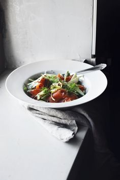 salad of smoked salmon, apples and fennel