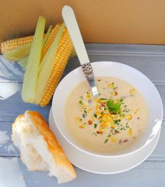 Chicken Soup with Braaied Mielies (braised corn cobs), South-African Style I Love Food, Good Food, Sweet Corn Soup, Decadent Food, Soup Appetizers, South African Recipes, Mouth Watering Food, Chicken Soup Recipes, My Best Recipe