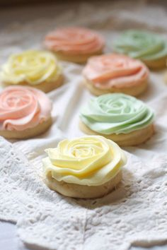 easter tablescape with teacups | Delicate frosting flowers top these simply sweet sugar cookies. (via ...