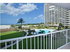 260 Seaview Ct #302, Marco Island, FL - $479,500, 2 Beds, 2 Baths. An incredibly updated 2 bedroom, 2 bath. Everything that could be updated was, including all new designer furniture. Enjoy wonderful views over the beach, pool and colorful sunsets. This superb complex features a beachfront pool, tennis club, boat docks and guard-gated entry.